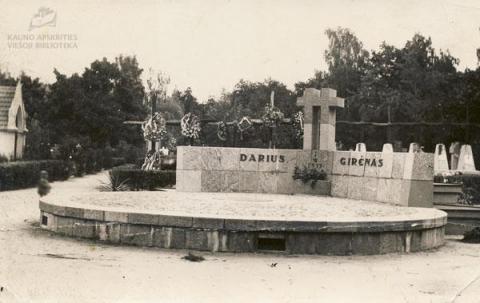 Transatlantinių lakūnų Stepono Dariaus ir Stasio Girėno mauzoliejus