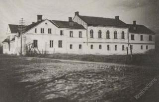 Marijampolės realinė gimnazija. Apie 1920 m.