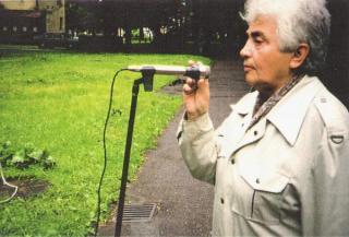 Susitikimas su moksleiviais kudirkaičiais buvusiose Karmelitų kapinėse (dab. Ramybės parkas). 1998 m.
