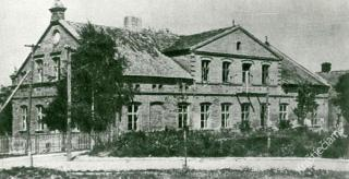 Buv. gimnazijos rūmai. Apie 1954 m.