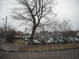 Automobilių stovėjimo aikštelė Darbininkų ir Zanavykų g. kampe. 2014 m.