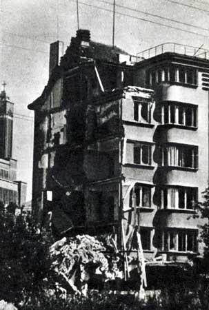 Jono Vailokaičio namas Vienybės aikštėje 1944 m.
