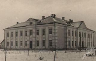 Garliavos vidurinė mokykla. 1957 m.