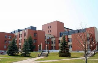 Naujasis Šakių ligoninės pastatas. 2014 m.