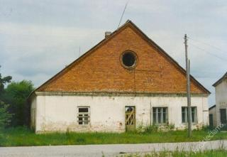 Vienas iš Markutiškių dvaro pastatų. Apie 1989-1990 m.