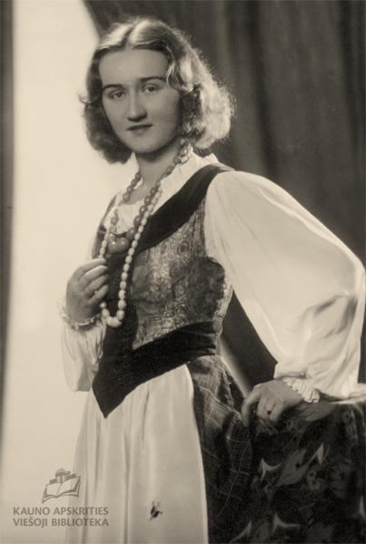 Iš mokytojos Valerijos Majauskaitės-Kazlauskienės (1910–1990) šeimos albumo
